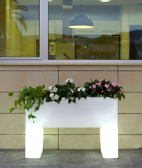 Muro Planter - 120 x 40 x 80 cm by Vondom
