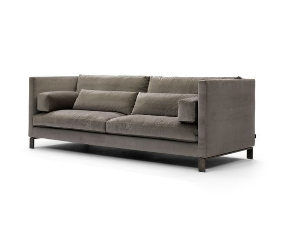 https://res.cloudinary.com/clippings/image/upload/t_big/dpr_auto,f_auto,w_auto/v1/product_bases/lobby-sofa-by-linteloo-linteloo-niels-bendtsen-clippings-7839262.jpg