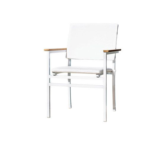 https://res.cloudinary.com/clippings/image/upload/t_big/dpr_auto,f_auto,w_auto/v1/product_bases/long-beach-stacking-chair-with-seat-and-back-cushions-by-rausch-classics-rausch-classics-erich-wimberger-clippings-6915762.jpg