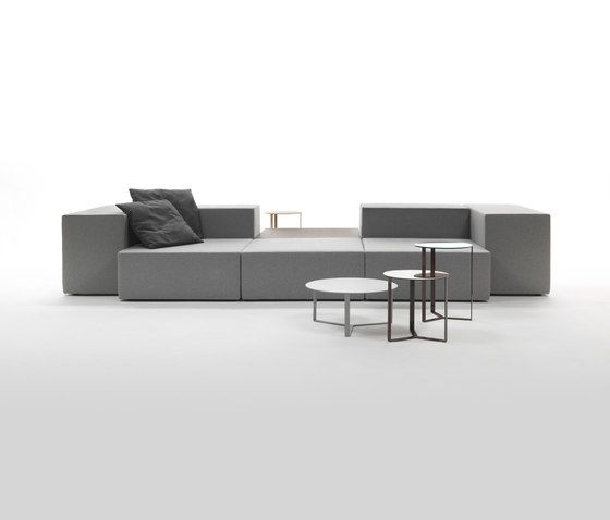 https://res.cloudinary.com/clippings/image/upload/t_big/dpr_auto,f_auto,w_auto/v1/product_bases/lounge-sofa-by-giulio-marelli-giulio-marelli-clippings-5595792.jpg
