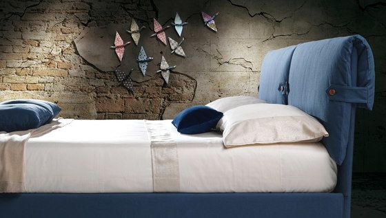 https://res.cloudinary.com/clippings/image/upload/t_big/dpr_auto,f_auto,w_auto/v1/product_bases/marianne-by-milano-bedding-milano-bedding-clippings-4715162.jpg