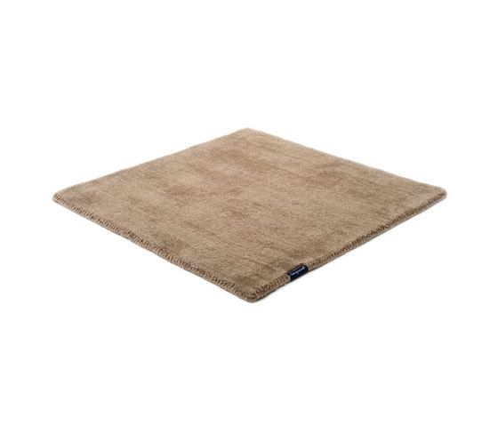 https://res.cloudinary.com/clippings/image/upload/t_big/dpr_auto,f_auto,w_auto/v1/product_bases/mark-2-wool-dark-taupe-by-kymo-kymo-clippings-5839892.jpg