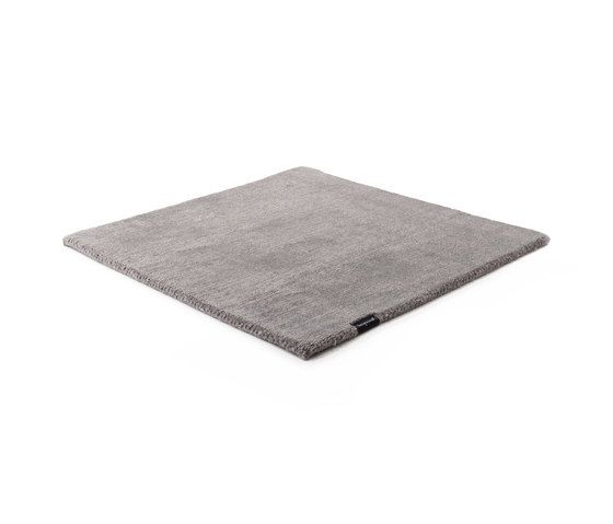 https://res.cloudinary.com/clippings/image/upload/t_big/dpr_auto,f_auto,w_auto/v1/product_bases/mark-2-wool-grey-sky-by-kymo-kymo-clippings-5892702.jpg