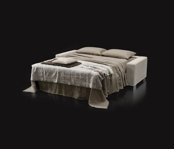 https://res.cloudinary.com/clippings/image/upload/t_big/dpr_auto,f_auto,w_auto/v1/product_bases/matrix-by-milano-bedding-milano-bedding-john-ash-clippings-6453902.jpg