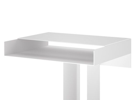 https://res.cloudinary.com/clippings/image/upload/t_big/dpr_auto,f_auto,w_auto/v1/product_bases/meta-side-table-by-new-tendency-new-tendency-sebastian-schonheit-clippings-1745802.jpg