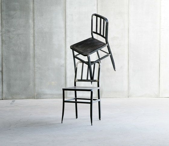 https://res.cloudinary.com/clippings/image/upload/t_big/dpr_auto,f_auto,w_auto/v1/product_bases/metal-chair-by-heerenhuis-heerenhuis-clippings-1973772.jpg
