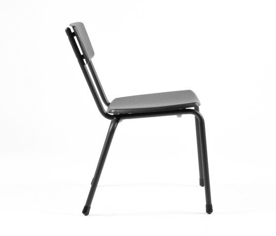 https://res.cloudinary.com/clippings/image/upload/t_big/dpr_auto,f_auto,w_auto/v1/product_bases/mica-9060-chair-by-maiori-design-maiori-design-clippings-6331882.jpg