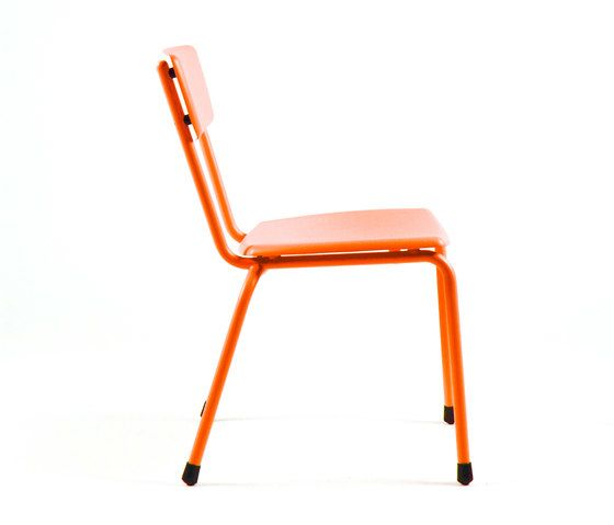 https://res.cloudinary.com/clippings/image/upload/t_big/dpr_auto,f_auto,w_auto/v1/product_bases/mica-9060-chair-by-maiori-design-maiori-design-clippings-6332152.jpg