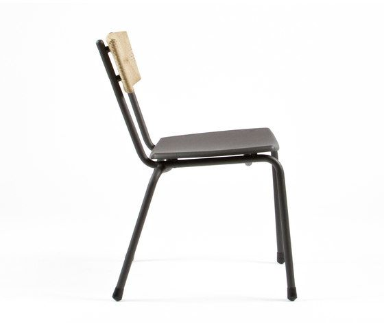 https://res.cloudinary.com/clippings/image/upload/t_big/dpr_auto,f_auto,w_auto/v1/product_bases/mica-9073-chair-by-maiori-design-maiori-design-clippings-6996672.jpg
