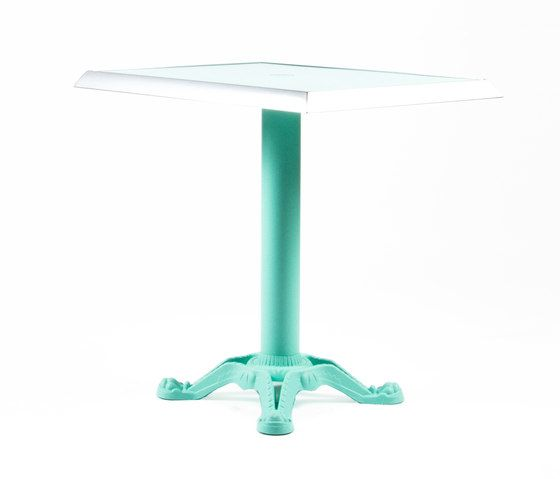 https://res.cloudinary.com/clippings/image/upload/t_big/dpr_auto,f_auto,w_auto/v1/product_bases/mica-9161-table-by-maiori-design-maiori-design-clippings-7564402.jpg