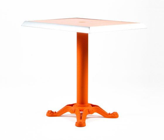 https://res.cloudinary.com/clippings/image/upload/t_big/dpr_auto,f_auto,w_auto/v1/product_bases/mica-9161-table-by-maiori-design-maiori-design-clippings-7564672.jpg