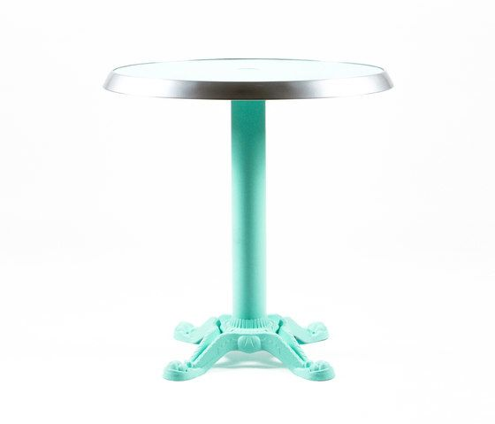 https://res.cloudinary.com/clippings/image/upload/t_big/dpr_auto,f_auto,w_auto/v1/product_bases/mica-9165-table-by-maiori-design-maiori-design-clippings-7538542.jpg