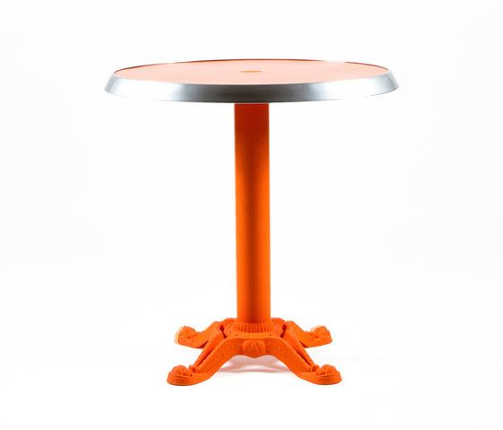 https://res.cloudinary.com/clippings/image/upload/t_big/dpr_auto,f_auto,w_auto/v1/product_bases/mica-9165-table-by-maiori-design-maiori-design-clippings-7538682.jpg