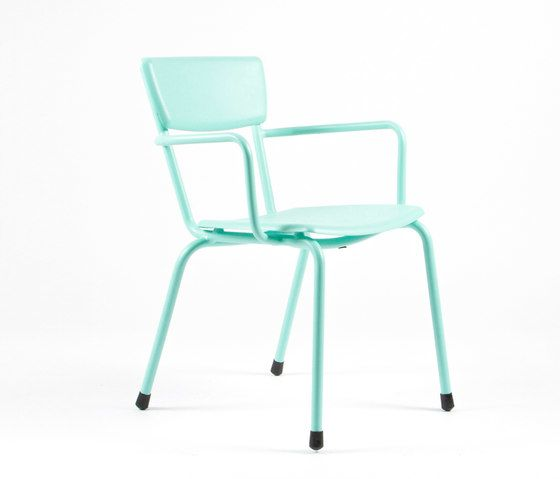 https://res.cloudinary.com/clippings/image/upload/t_big/dpr_auto,f_auto,w_auto/v1/product_bases/mica-9166-armchair-by-maiori-design-maiori-design-clippings-6680492.jpg
