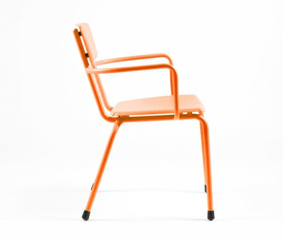 https://res.cloudinary.com/clippings/image/upload/t_big/dpr_auto,f_auto,w_auto/v1/product_bases/mica-9166-armchair-by-maiori-design-maiori-design-clippings-6680722.jpg