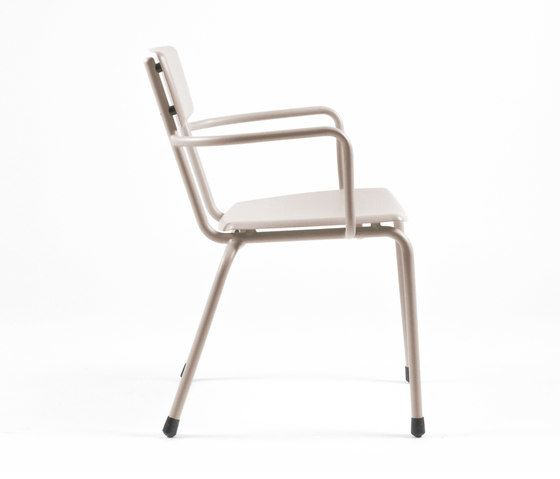 https://res.cloudinary.com/clippings/image/upload/t_big/dpr_auto,f_auto,w_auto/v1/product_bases/mica-9166-armchair-by-maiori-design-maiori-design-clippings-6681232.jpg