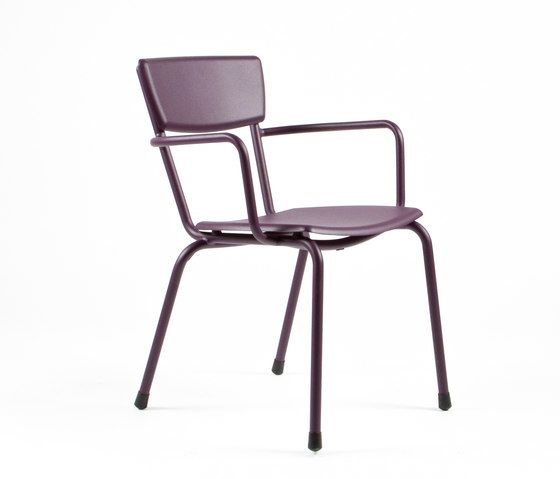https://res.cloudinary.com/clippings/image/upload/t_big/dpr_auto,f_auto,w_auto/v1/product_bases/mica-9166-armchair-by-maiori-design-maiori-design-clippings-6681342.jpg