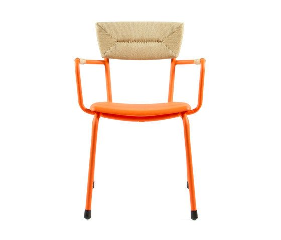 https://res.cloudinary.com/clippings/image/upload/t_big/dpr_auto,f_auto,w_auto/v1/product_bases/mica-9167-armchair-by-maiori-design-maiori-design-clippings-6588482.jpg