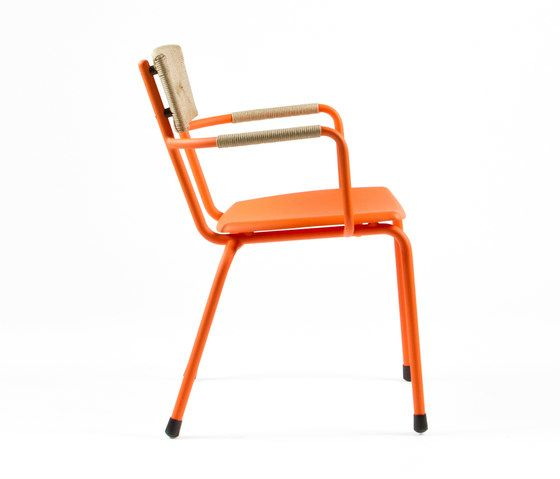 https://res.cloudinary.com/clippings/image/upload/t_big/dpr_auto,f_auto,w_auto/v1/product_bases/mica-9167-armchair-by-maiori-design-maiori-design-clippings-6588582.jpg