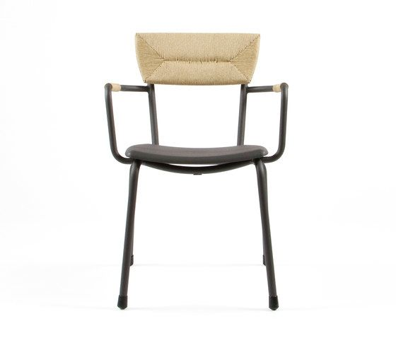 https://res.cloudinary.com/clippings/image/upload/t_big/dpr_auto,f_auto,w_auto/v1/product_bases/mica-9167-armchair-by-maiori-design-maiori-design-clippings-6588652.jpg