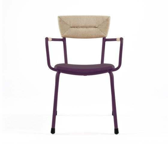https://res.cloudinary.com/clippings/image/upload/t_big/dpr_auto,f_auto,w_auto/v1/product_bases/mica-9167-armchair-by-maiori-design-maiori-design-clippings-6588842.jpg