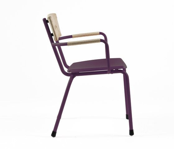 https://res.cloudinary.com/clippings/image/upload/t_big/dpr_auto,f_auto,w_auto/v1/product_bases/mica-9167-armchair-by-maiori-design-maiori-design-clippings-6589002.jpg
