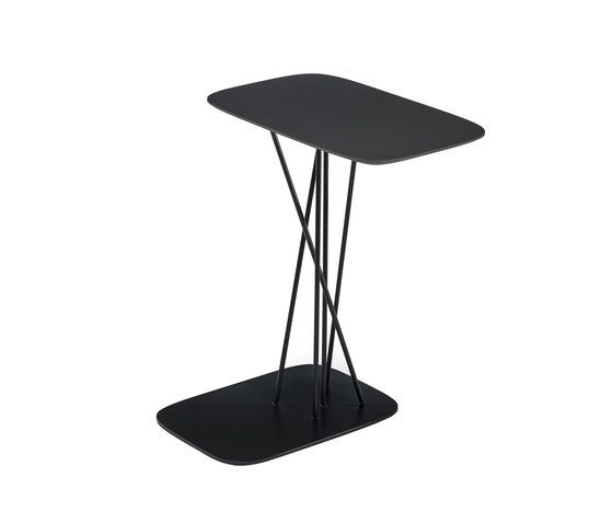 https://res.cloudinary.com/clippings/image/upload/t_big/dpr_auto,f_auto,w_auto/v1/product_bases/mika-coffee-table-by-bross-bross-michael-schmidt-clippings-1717502.jpg