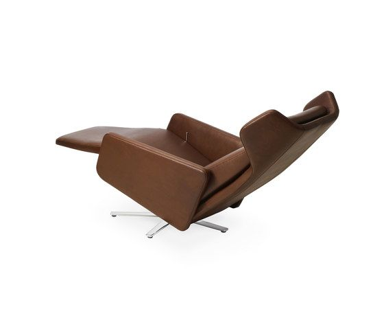 https://res.cloudinary.com/clippings/image/upload/t_big/dpr_auto,f_auto,w_auto/v1/product_bases/model-1303-nano-wing-chair-by-intertime-intertime-benny-mosimann-martin-birrer-clippings-6408122.jpg