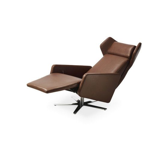 https://res.cloudinary.com/clippings/image/upload/t_big/dpr_auto,f_auto,w_auto/v1/product_bases/model-1303-nano-wing-chair-by-intertime-intertime-benny-mosimann-martin-birrer-clippings-6408212.jpg