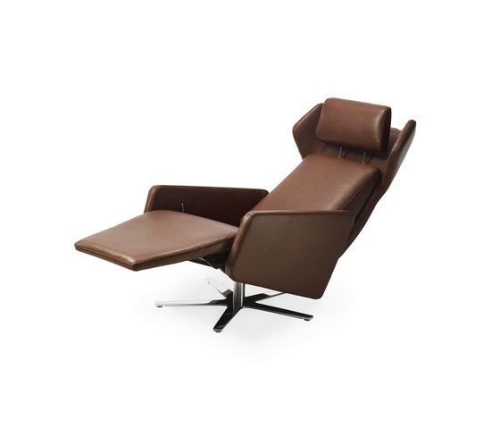 https://res.cloudinary.com/clippings/image/upload/t_big/dpr_auto,f_auto,w_auto/v1/product_bases/model-1303-nano-wing-chair-by-intertime-intertime-benny-mosimann-martin-birrer-clippings-6408292.jpg