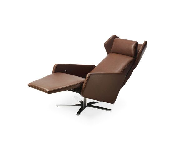 https://res.cloudinary.com/clippings/image/upload/t_big/dpr_auto,f_auto,w_auto/v1/product_bases/model-1303-nano-wing-chair-by-intertime-intertime-benny-mosimann-martin-birrer-clippings-6408372.jpg