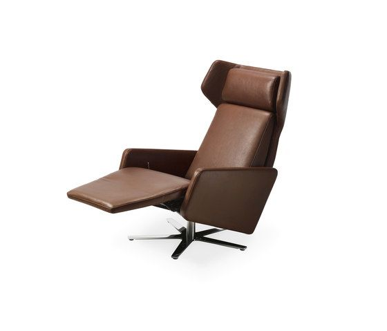 https://res.cloudinary.com/clippings/image/upload/t_big/dpr_auto,f_auto,w_auto/v1/product_bases/model-1303-nano-wing-chair-by-intertime-intertime-benny-mosimann-martin-birrer-clippings-6408482.jpg