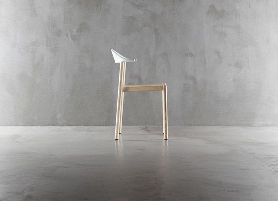 https://res.cloudinary.com/clippings/image/upload/t_big/dpr_auto,f_auto,w_auto/v1/product_bases/monza-chair-1211-20-by-plank-plank-konstantin-grcic-clippings-1768462.jpg