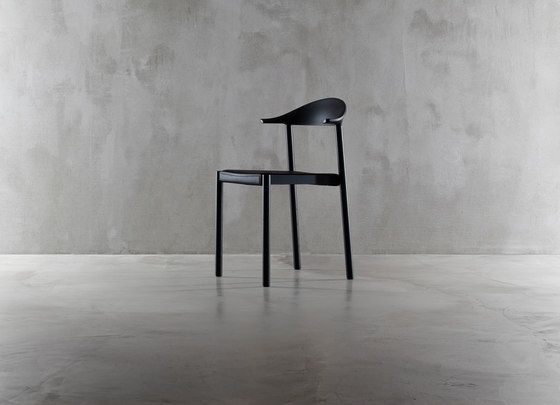 https://res.cloudinary.com/clippings/image/upload/t_big/dpr_auto,f_auto,w_auto/v1/product_bases/monza-chair-1211-20-by-plank-plank-konstantin-grcic-clippings-1768502.jpg