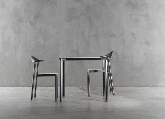 https://res.cloudinary.com/clippings/image/upload/t_big/dpr_auto,f_auto,w_auto/v1/product_bases/monza-table-9203-9205-by-plank-plank-konstantin-grcic-clippings-2071392.jpg