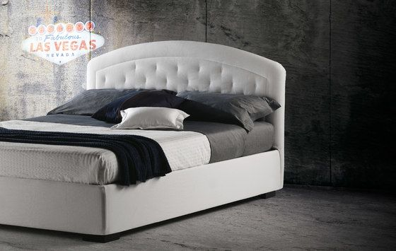 https://res.cloudinary.com/clippings/image/upload/t_big/dpr_auto,f_auto,w_auto/v1/product_bases/moorea-by-milano-bedding-milano-bedding-clippings-8127702.jpg