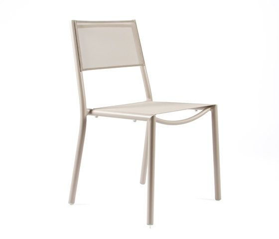 https://res.cloudinary.com/clippings/image/upload/t_big/dpr_auto,f_auto,w_auto/v1/product_bases/nc8527-chair-by-maiori-design-maiori-design-clippings-6871652.jpg