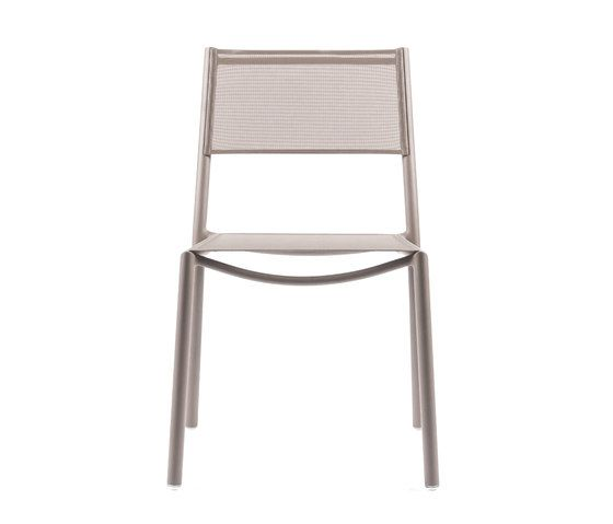 https://res.cloudinary.com/clippings/image/upload/t_big/dpr_auto,f_auto,w_auto/v1/product_bases/nc8527-chair-by-maiori-design-maiori-design-clippings-6871752.jpg