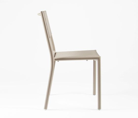 https://res.cloudinary.com/clippings/image/upload/t_big/dpr_auto,f_auto,w_auto/v1/product_bases/nc8527-chair-by-maiori-design-maiori-design-clippings-6871822.jpg
