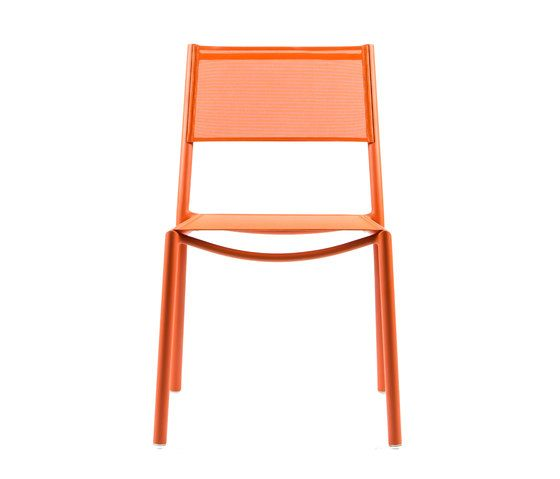 https://res.cloudinary.com/clippings/image/upload/t_big/dpr_auto,f_auto,w_auto/v1/product_bases/nc8527-chair-by-maiori-design-maiori-design-clippings-6871902.jpg