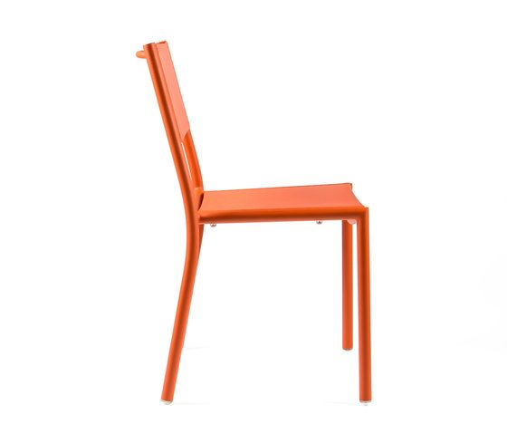 https://res.cloudinary.com/clippings/image/upload/t_big/dpr_auto,f_auto,w_auto/v1/product_bases/nc8527-chair-by-maiori-design-maiori-design-clippings-6871992.jpg
