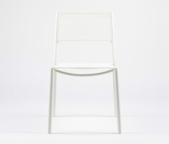 https://res.cloudinary.com/clippings/image/upload/t_big/dpr_auto,f_auto,w_auto/v1/product_bases/nc8527-chair-by-maiori-design-maiori-design-clippings-6872152.jpg