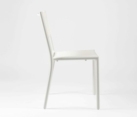 https://res.cloudinary.com/clippings/image/upload/t_big/dpr_auto,f_auto,w_auto/v1/product_bases/nc8527-chair-by-maiori-design-maiori-design-clippings-6872252.jpg
