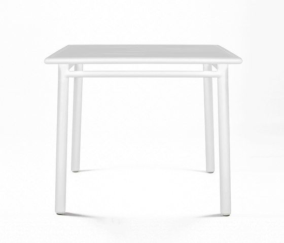 https://res.cloudinary.com/clippings/image/upload/t_big/dpr_auto,f_auto,w_auto/v1/product_bases/nc8670-square-table-by-maiori-design-maiori-design-clippings-3695552.jpg