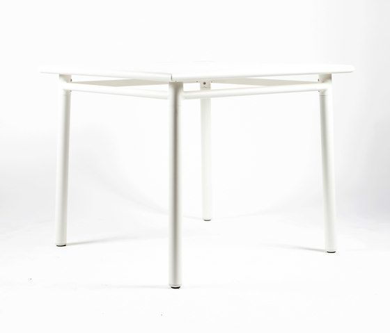 https://res.cloudinary.com/clippings/image/upload/t_big/dpr_auto,f_auto,w_auto/v1/product_bases/nc8670-square-table-by-maiori-design-maiori-design-clippings-3695572.jpg