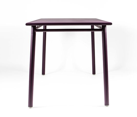 https://res.cloudinary.com/clippings/image/upload/t_big/dpr_auto,f_auto,w_auto/v1/product_bases/nc8683-table-by-maiori-design-maiori-design-clippings-3682662.jpg