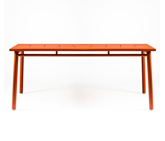 https://res.cloudinary.com/clippings/image/upload/t_big/dpr_auto,f_auto,w_auto/v1/product_bases/nc8683-table-by-maiori-design-maiori-design-clippings-3682692.jpg