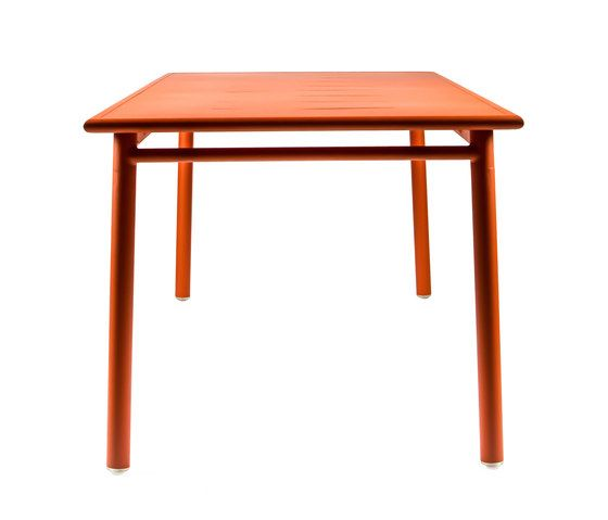 https://res.cloudinary.com/clippings/image/upload/t_big/dpr_auto,f_auto,w_auto/v1/product_bases/nc8683-table-by-maiori-design-maiori-design-clippings-3682712.jpg