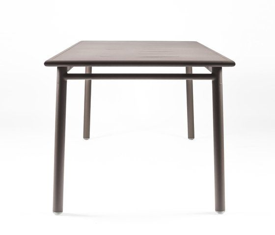 https://res.cloudinary.com/clippings/image/upload/t_big/dpr_auto,f_auto,w_auto/v1/product_bases/nc8683-table-by-maiori-design-maiori-design-clippings-3682832.jpg