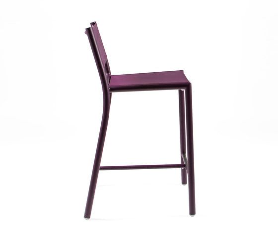 https://res.cloudinary.com/clippings/image/upload/t_big/dpr_auto,f_auto,w_auto/v1/product_bases/nc8733-highchair-by-maiori-design-maiori-design-clippings-5106722.jpg